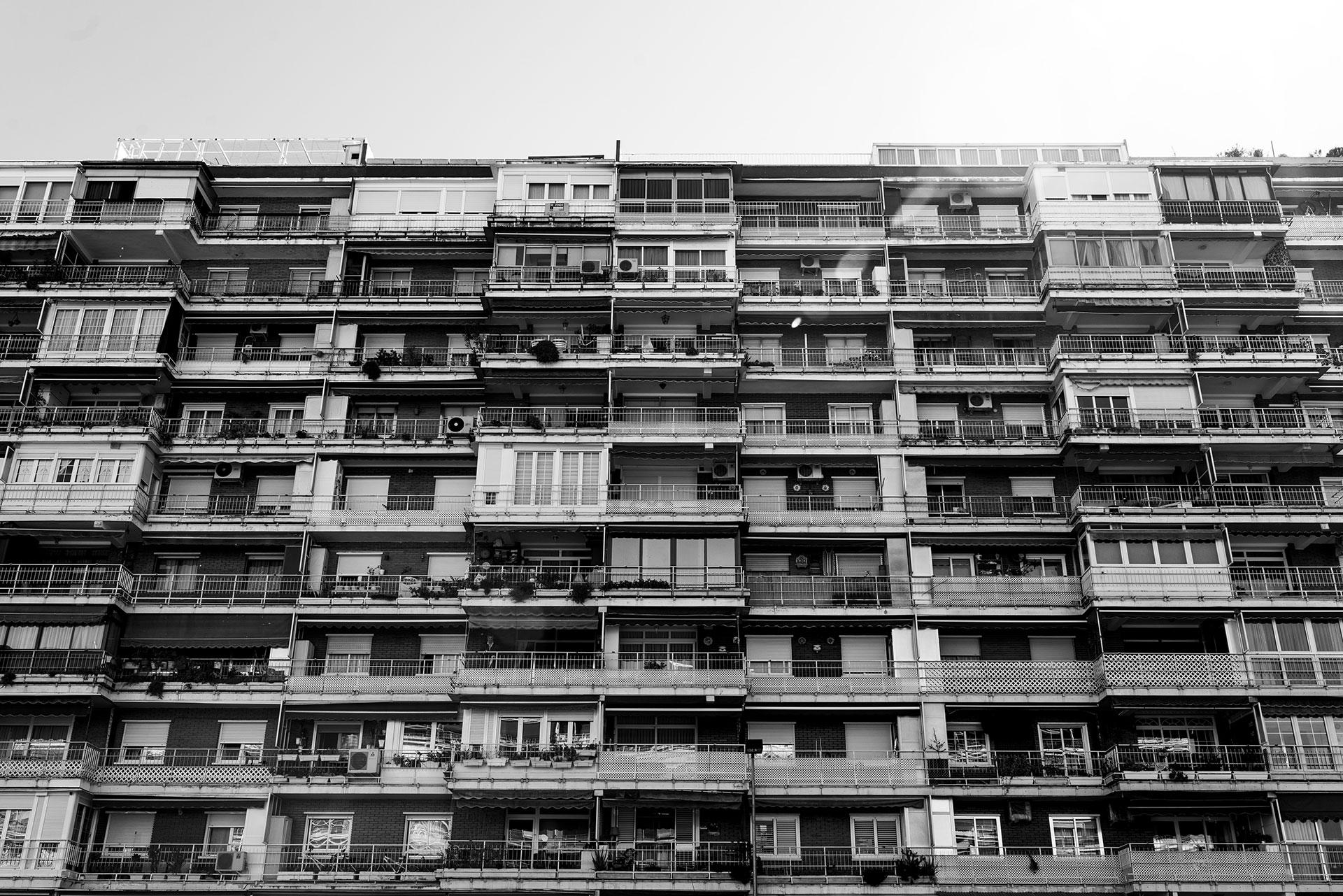 lgunas de las afectadas viven en edificios con muchos vecinos, donde las radiaciones y emanaciones de los productos de limpieza son inevitables.