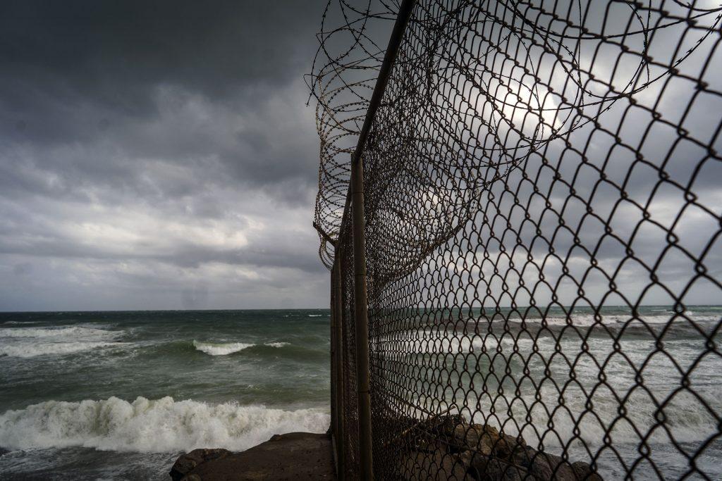 Frontera de la playa de El Tarajal, 28 de Marzo de 2019.