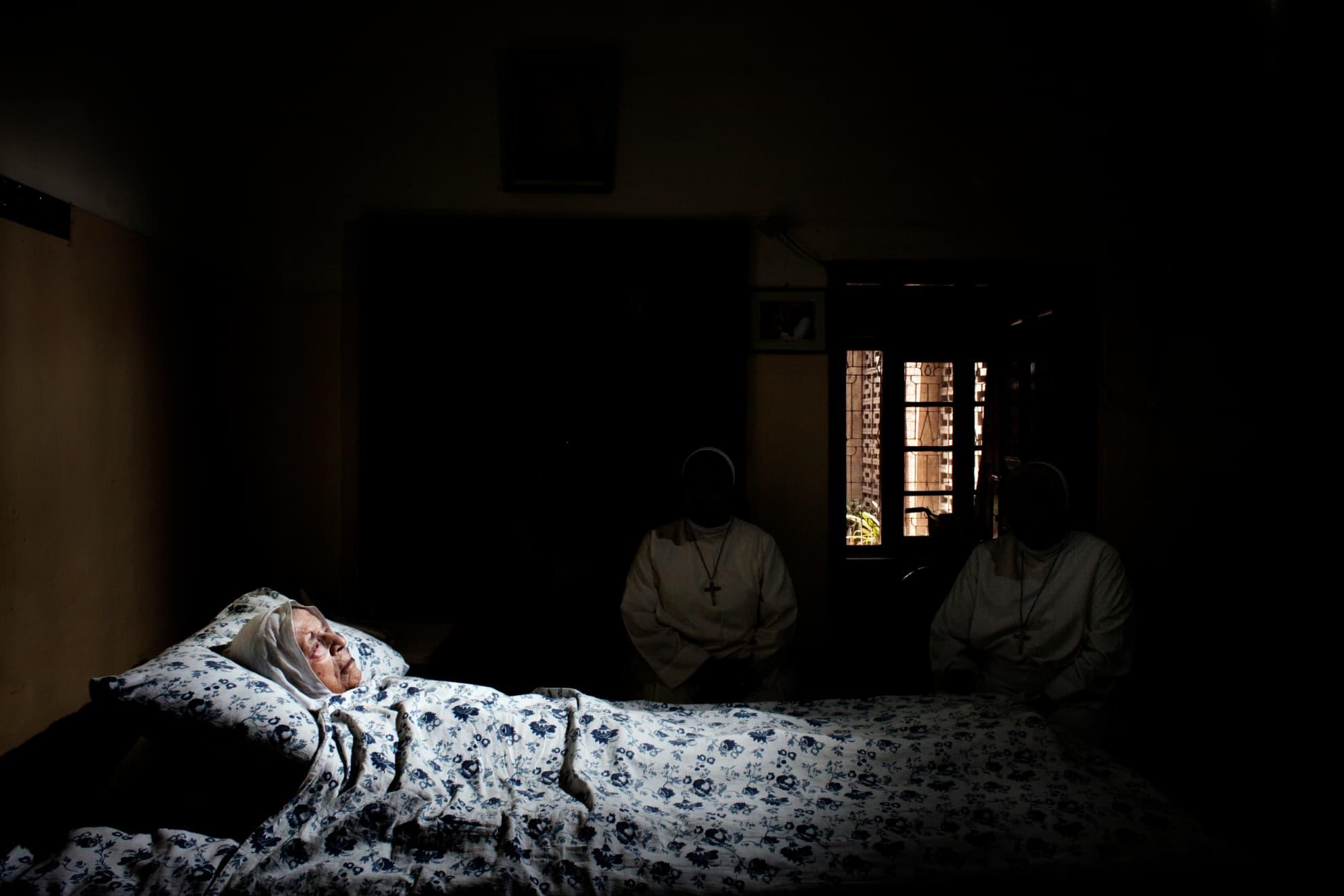 Faisalabad, Pakistán. La madre Alessia Macrini, de 93 años y residente en Pakistán desde 1951, fundó la institución católica Hogar para niños y niñas lisiados, una clínica de Fisioterapia y Centro de Rehabilitación, abierta tanto a la población cristiana como a la musulmana. La madre Macrini, con otras hermanas pakistaníes, Shazia Rehmat y Emanuela Joseph.