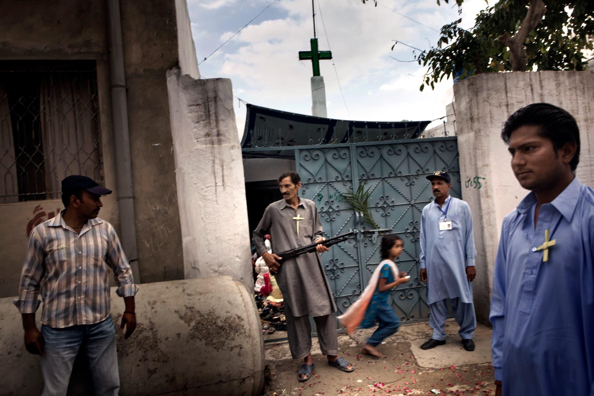 Iglesia de San Antonio, en Chakwal, Islamabad, Pakistán. La Charía islámica ha supuesto la persecución y una fuerte discriminación para esta minoría forzada a realizar los trabajos más humildes y a vivir segregada en guetos dentro de las ciudades.