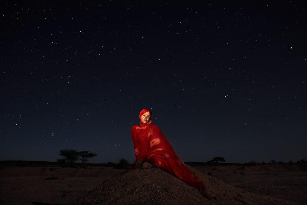 Minatu Lanabas Suidat, 25 años, periodista, fotografiada en Tifariti, en el Sáhara Occidental controlado por el Polisario (República Árabe Saharaui Democrática).