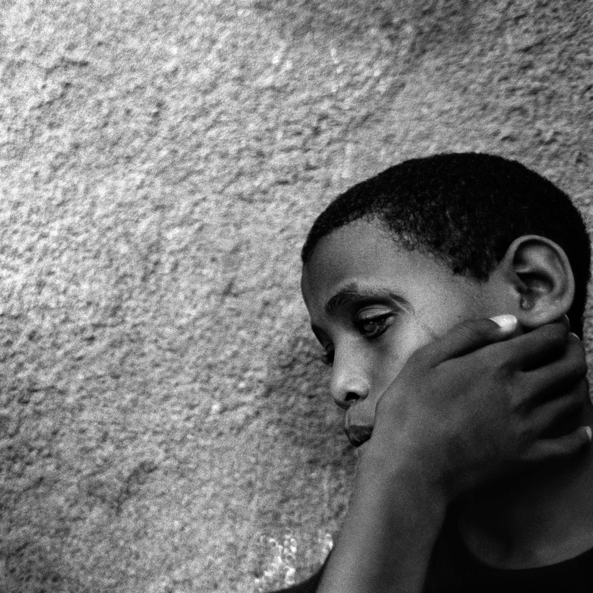 En la escuela para ciegos Wolayta. Soddo, Etiopía. Esta escuela les proporciona una nueva forma de vida y les enseña a ser independientes trabajando en la adquisición de instrumentos de movilidad personal, en la integración en la vida social y laboral y ofreciéndoles la asistencia médica necesaria.